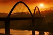Puente al amanecer